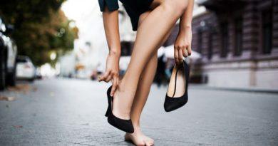 Những thói quen xấu ảnh hưởng đến đôi chân mà ai cũng nên tránh