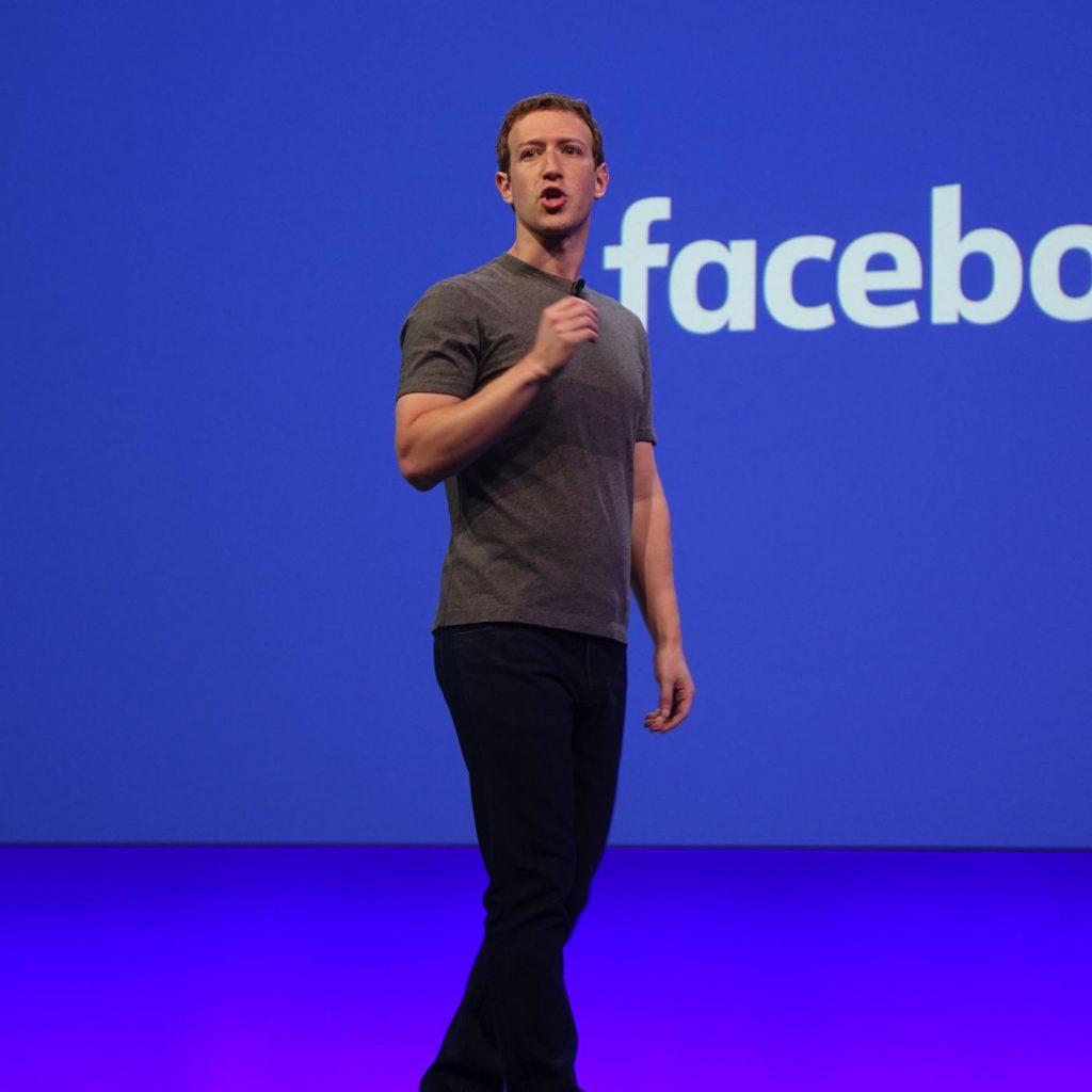 đồng hồ của các tỷ phú Mark Zuckerberg không đeo đồng hồ