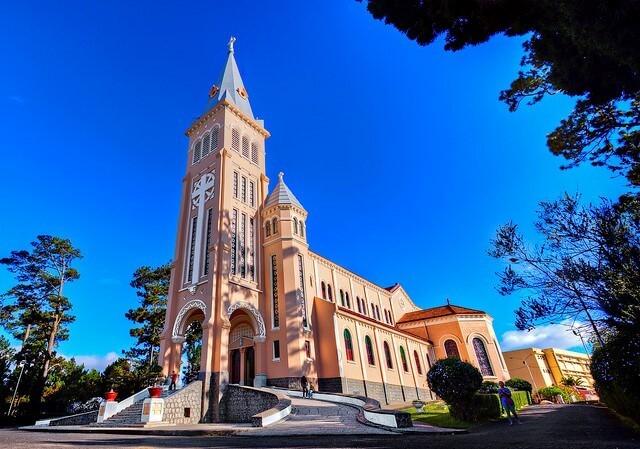 Nhà thờ Con Gà địa điểm sống ảo Đà Lạt