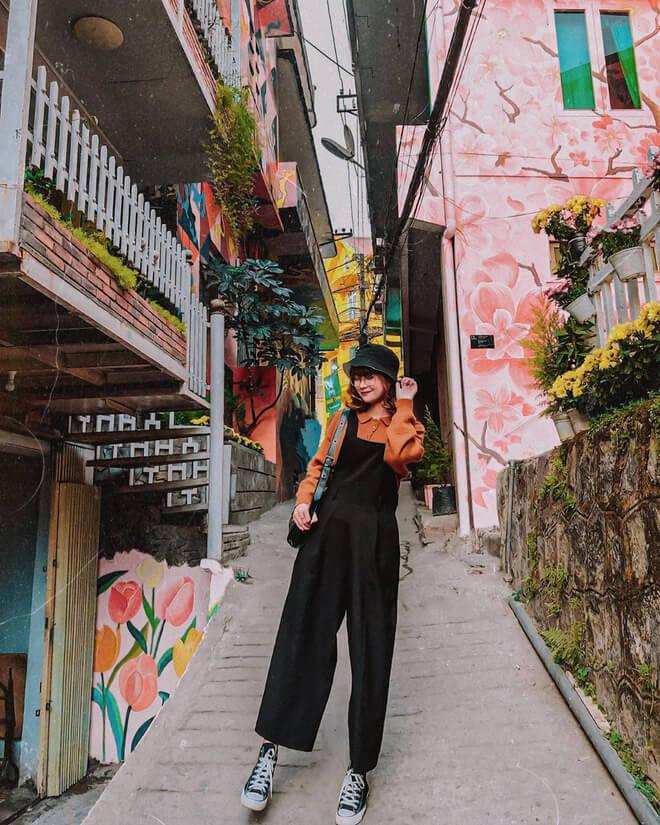 sống ảo check in tại phố bích họa dốc nhà làng địa điểm sống ảo Đà Lạt