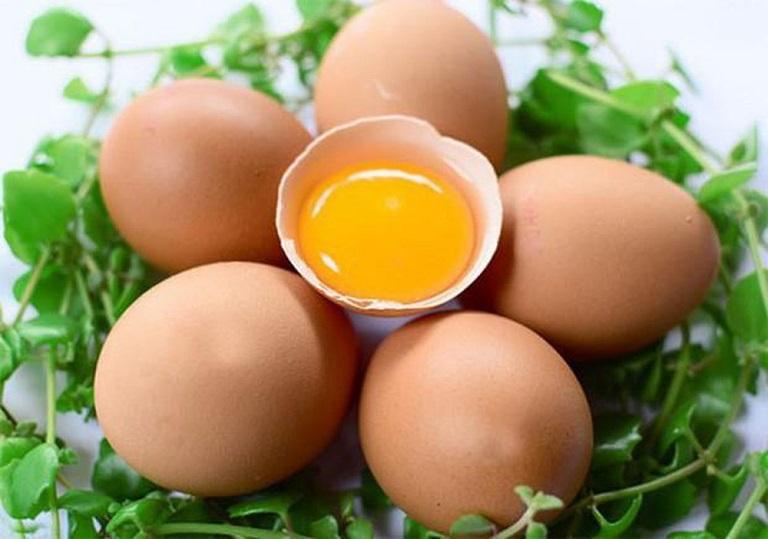 Ăn trứng gà nhiều có tốt không?