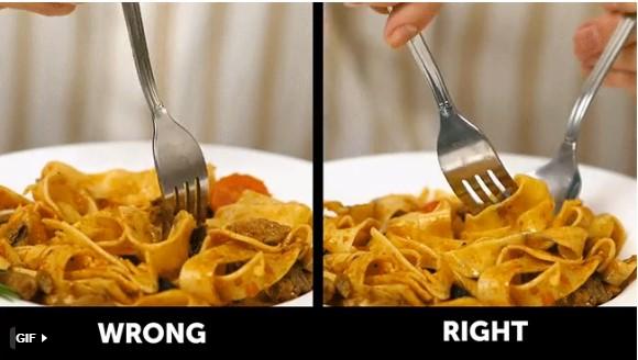 quy tắc ứng xử trên bàn ăn lưu ý khi ăn mì ý