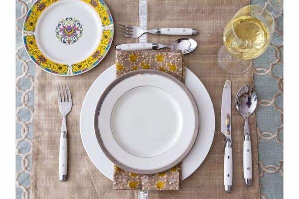 quy tắc ứng xử trên bàn ăn lưu ý với các dụng cụ trên bàn ăn